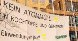 Robin Wood-Banneraktion vor dem UM am 13.2.2015 - Bildausschnitt. Foto: Robin Wood, Jens Volle